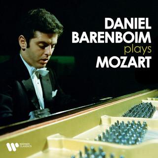 Daniel Barenboim Plays Mozart