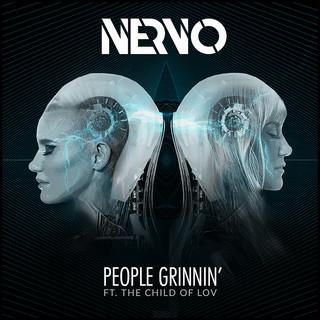 People Grinnin\'