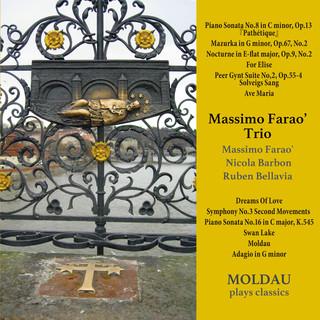 Moldau plays classics