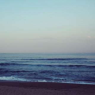 Be Alone By The Ocean (문득 홀로 바다가 찾고 싶어질 때)