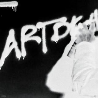 Art Dealer Chic 3