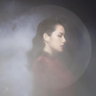 月 (Moon)