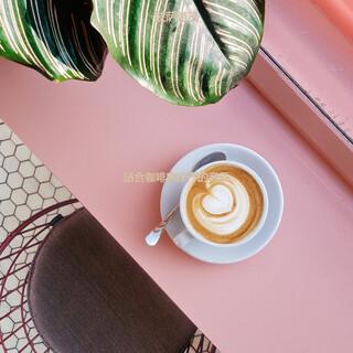 適合咖啡店莊嚴的音樂